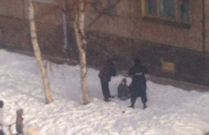 ВБратске семилетний ребенок выпал изокна 4 этажа