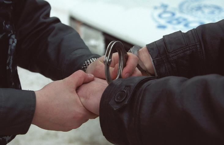 ВБратске двое полицейских попались нанаркоторговле