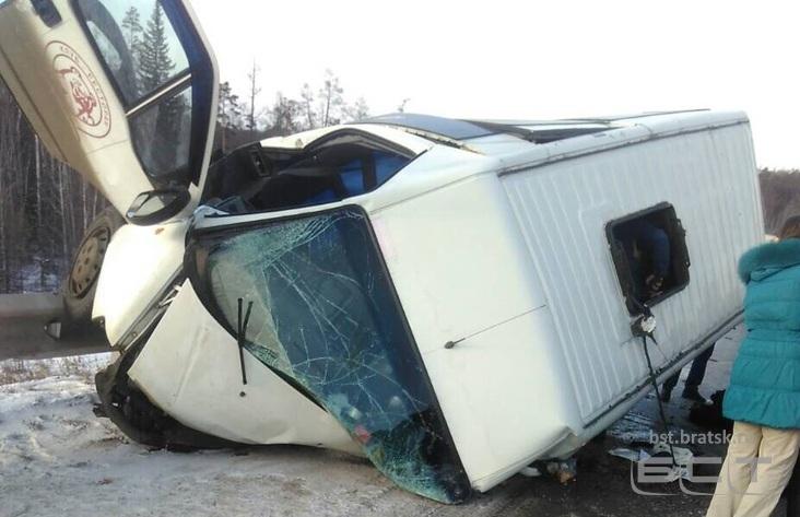 4 человека пострадали вДТП сучастием маршрутки вБратске