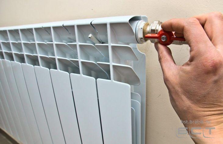Тепло пропало в 3-х многоквартирных домах иркутской Вихоревки, генпрокуратура проводит проверку