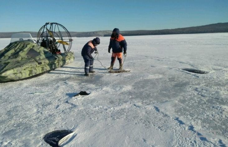 Разбившийся вертолет стелом отыскали надне Братского водохранилища